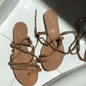 Never Worn Seychelles Wrap Sandals